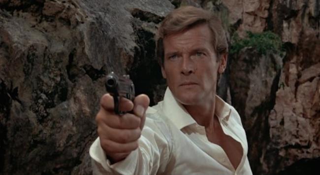 007-Man-With-Golden-Gun-5